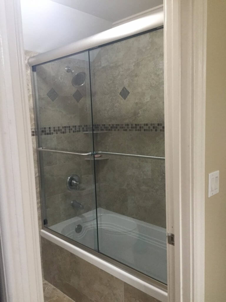 Frameless Bathtub Glass Door